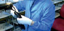 Sovraccarico biomeccanico: lavorazione di carta e plastica