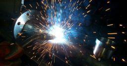 Campi elettromagnetici: valutare i rischi per le attività di saldatura
