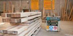 Il taglio delle tavole di legno in sicurezza for Progettazione di mobili lavorazione del legno